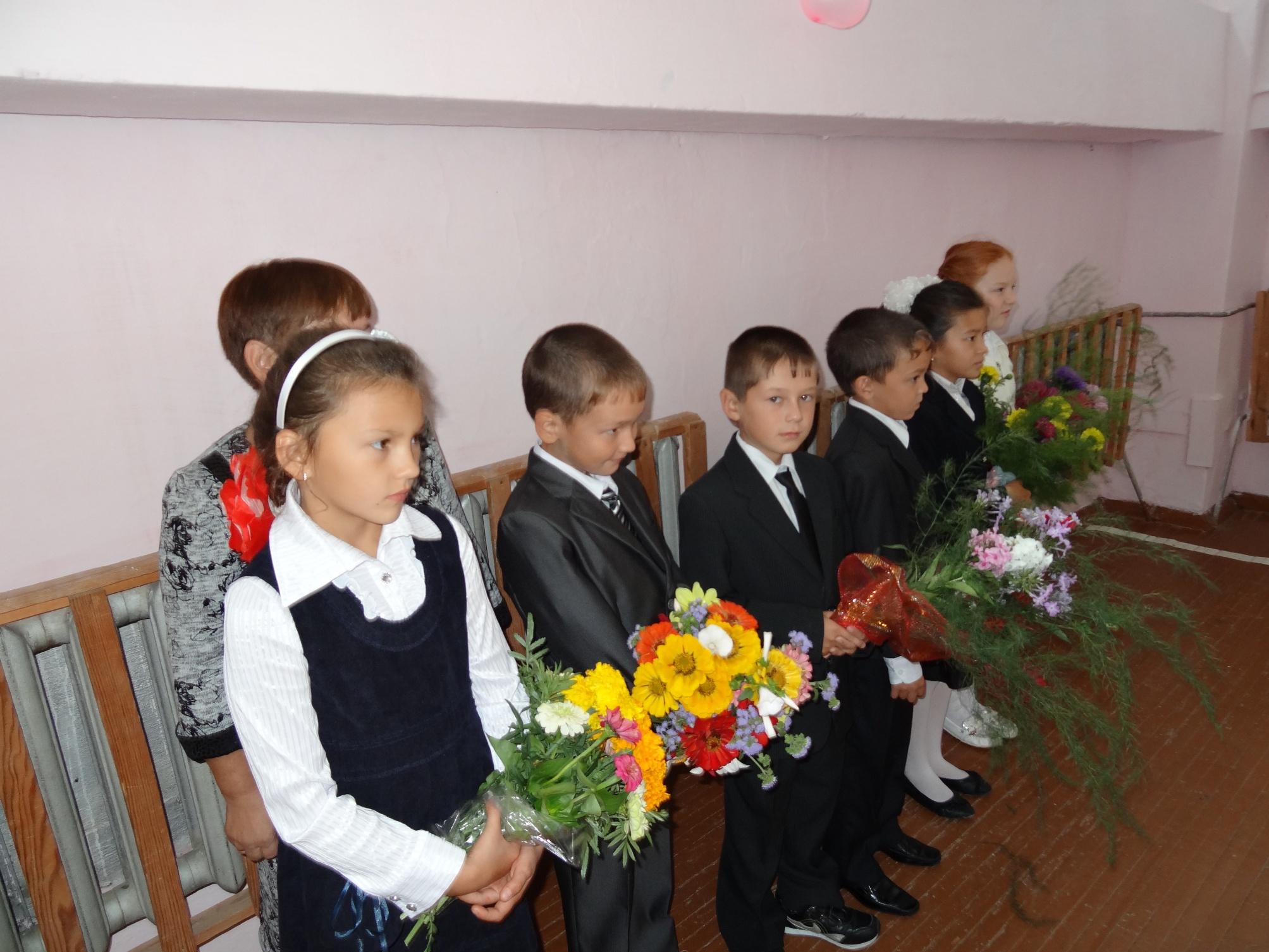 День знаний - 2012. Праздничная линейка